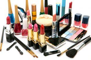 Внимание! Измама с козметика  в нета може да източи сметката Ви