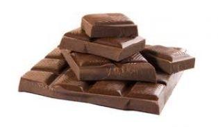  Черният шоколад има повече калории от млечния