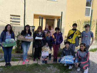Дамите от ГЕРБ с традиционни и нетрадиционни подаръци за деца и младежи