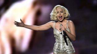 Селфи на Лейди Гага и Адел ражда слухове