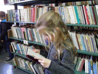 Пернишката библиотека насърчава четенето с литературни премиери