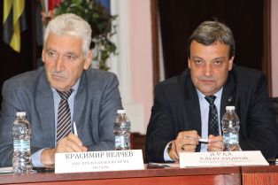 Депутати поздравиха перничани за 24-ти май