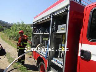 Кола се запали на ключово кръстовище в Перник