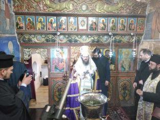 Обновен е храмът на манстир в Пернишко
