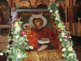 Православната църква чества Успение на Пресвета Богородица