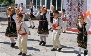 Повече от 400 талантливи деца  огласят с песни и танци днес село  Мещица