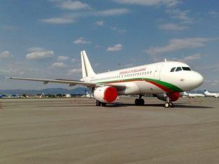 Правителственият самолет кацна аварийно