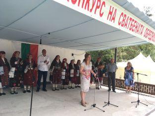 Два дни пресъздават традиционната българска сватба в Земенско