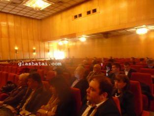 Техническа грешка и спор за бизнеснкубатора прекратиха заседанието на общинския съвет в Перник