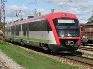 Авария блокира 12 влака вчера